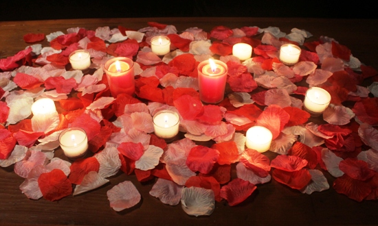 romance artificial rose petals